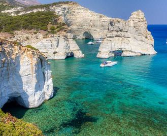 Island hopping holiday in the Cyclades