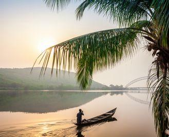 All around Volta Lake