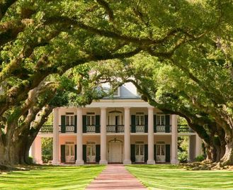 Southern Plantation Homes Self-Drive