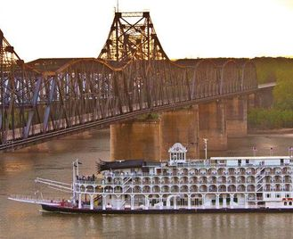 American Queen Steamboat Cruise On The Mississippi
