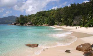 Seychelles island hopping: Mahe & La Digue