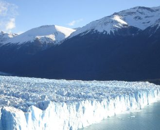 Grand tour of Patagonia across Argentina & Chile