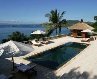 Luxury tour of Indonesia