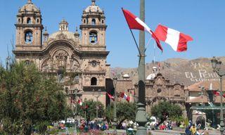 Peru and Bolivia Highlights: Machu Picchu, Lake Titicaca, and Uyuni Salt Flats