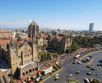 City & Beach: the contrasts of Mumbai & Goa