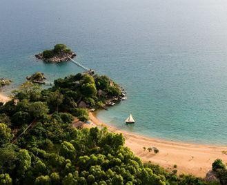 Malawi's highlands & islands