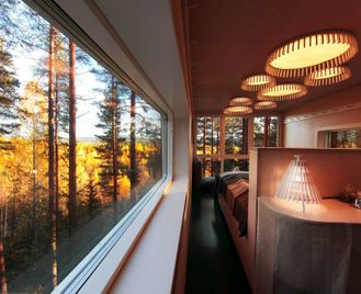 Autumn Adventure: Brändön Lodge & The Treehotel