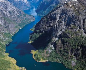 Spring In Norway'S Fjords: Oslo, Flåm And Bergen