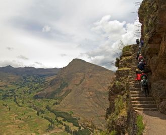 Andes, Patagonia & Las Guyanas With Carnival