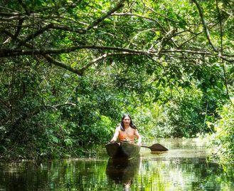 Ecuador: Along The Middle Of The World