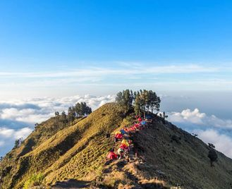 Bali: Local Encounters And Breathtaking Landscapes