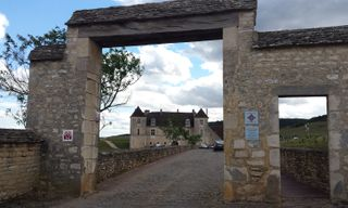 Gastronomic Burgundy Cycling