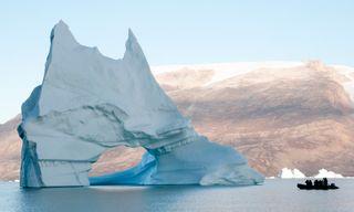 Three Arctic Islands: Spitsbergen, Greenland And Iceland (Southbound)