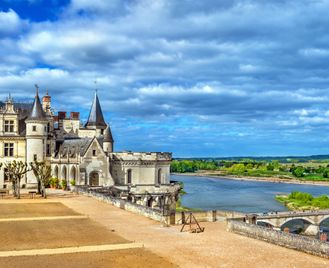 Cycling The Chateaux Of The Loire - Deluxe