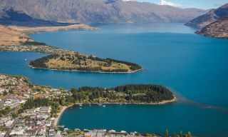 Best Of New Zealand: Maori Culture & Mountain Coastlines