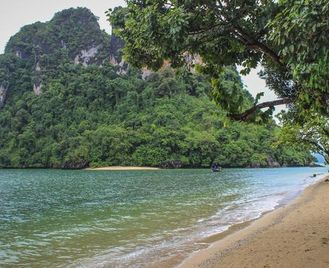 Classic Cambodia And Thai Islands – East Coast