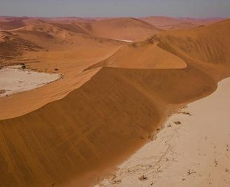 Southern Africa Southbound: Dunes, Deltas & Falls