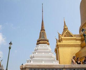 Bangkok To Kuta: Summits & Sunsets