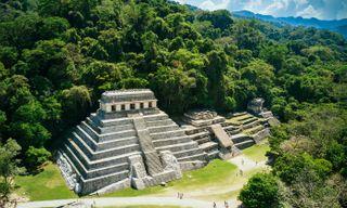 Eagle: Aztecs, Mayas And Conquistadores