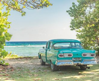Family Cuba: Salsa, Beach And Vintage Cars