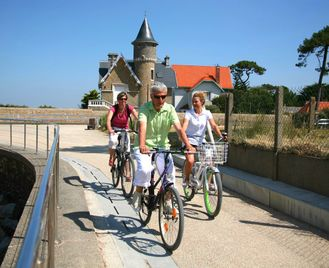 Self-Guided Velodyssee Cycling: Arcachon to Biarritz