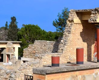 Exploring Crete: Archaeology, Nature and Food