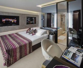 3 Night City Break: 11 Mirrors Design Hotel