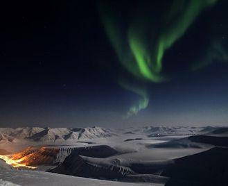 Spitsbergen Polar Nights At The Funken Lodge