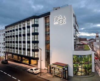 7 Nights at the Neat Avenida Hotel, Sao Miguel