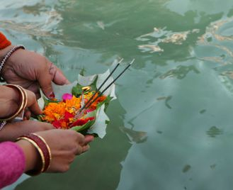 The Spirit of India - Yoga, Meditation, Himalayas and the Holy Ganges